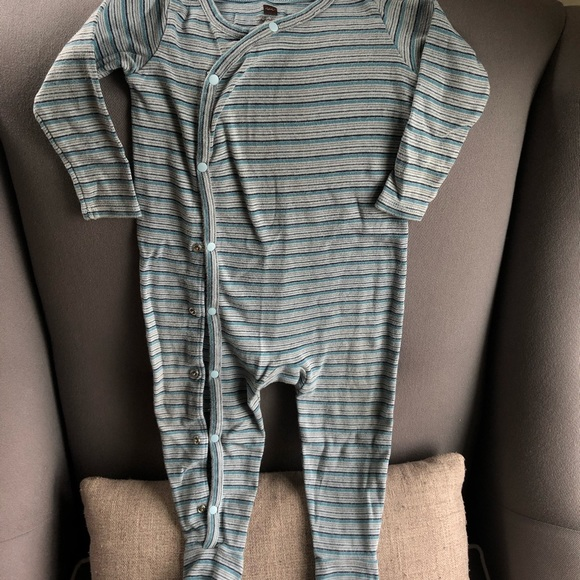 Tea Collection Other - GUC Tea Collection Footed Sleeper 6-12 mo